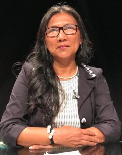 Tina Alvarenga - Panelista en programa de TV.jpg